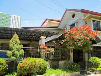 Casa Luciana Guest House Cagayan Hotel Front