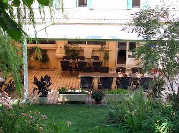 tarifs reservation hotels Hôtel Restaurant Le Lachens