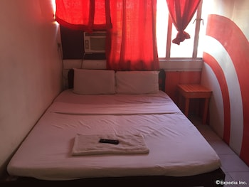 Drifters British Pub and Apartelle Bacolod Guestroom