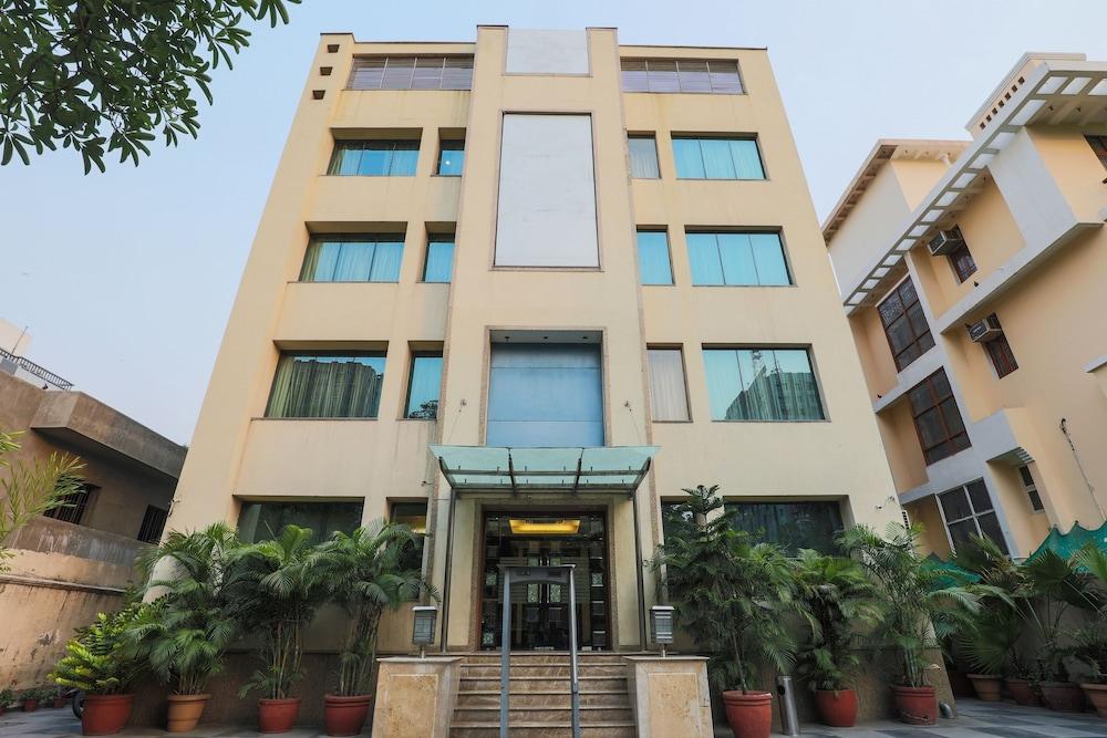Hotel Blue Stone - Nehru Place
