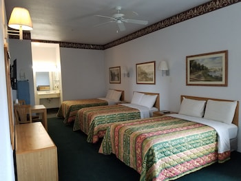 Quality One Motel in Weatherford, Texas