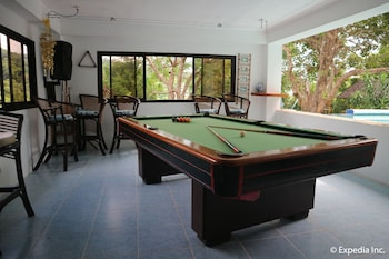Jayjay's Club Boracay Billiards