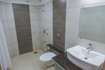 Ginger Ahmedabad, Satellite - Bathroom  - #0
