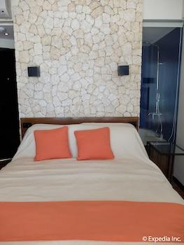Watercolors Boracay Dive Resort Guestroom