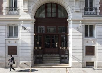 tarifs reservation hotels Les Bains Paris