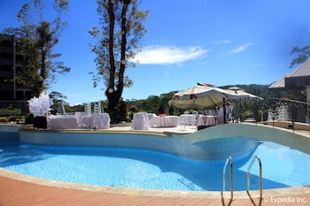 Newton Plaza Hotel Baguio Outdoor Pool