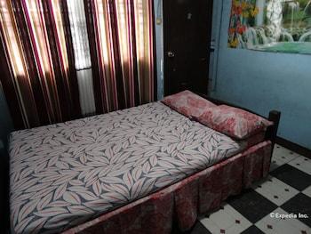 Quoyas Inn Davao Guestroom