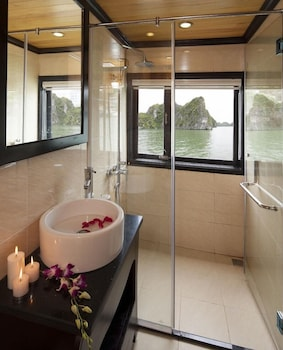 Viet Beauty Cruises - Bathroom  - #0