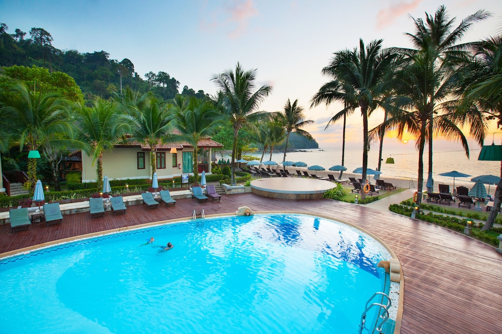 Khaolak Bay Front Resort