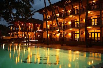輕語棕櫚飯店