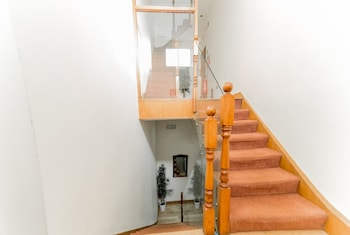 Hyde Park Superior Apartments - Staircase  - #0