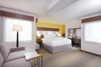 Staypineapple at Hotel Z