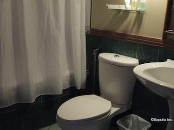 Elsalvador Beach Resort Cebu Bathroom