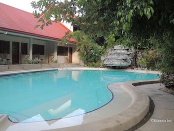 Elsalvador Beach Resort Cebu Outdoor Pool
