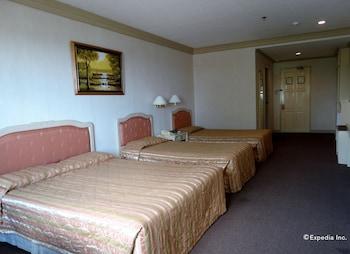 Orange Grove Hotel Davao Guestroom