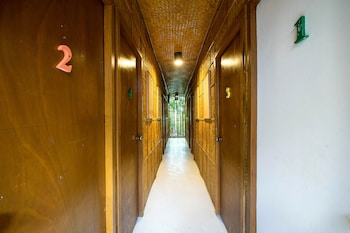 Dormitels Boracay Hallway