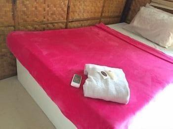 Dormitels Boracay Guestroom