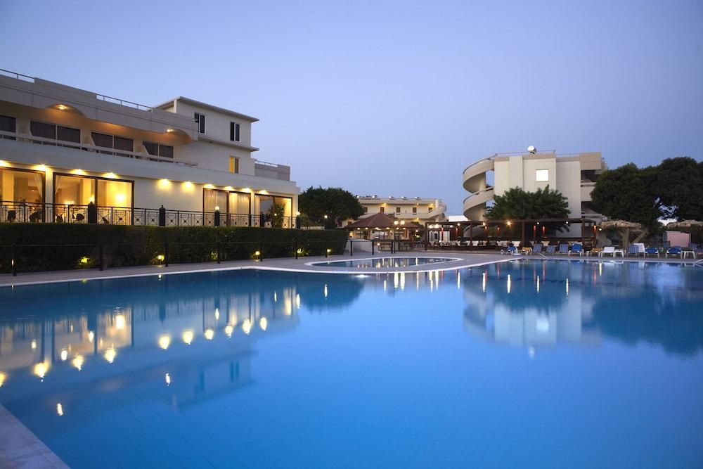Delfinia Resort Hotel - All Inclusive
