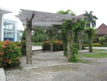Chateau By The Sea Cebu Property Grounds