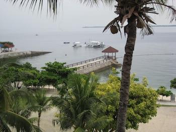 Chateau By The Sea Cebu Dock