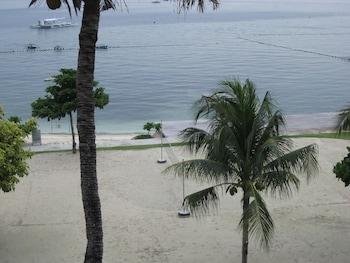 Chateau By The Sea Cebu Beach