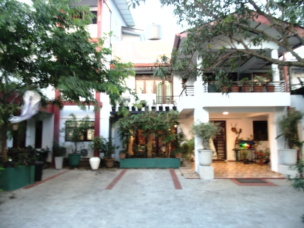 Thilaka City Hotel