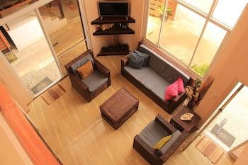 Rosanna's Pension EL Nido Lobby Sitting Area