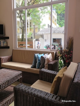 Rosanna's Pension EL Nido Living Room