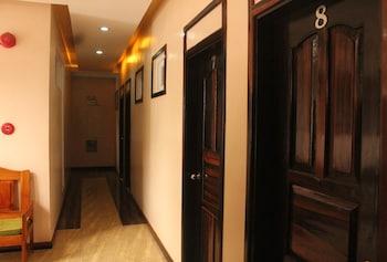 Rosanna's Pension EL Nido Hallway