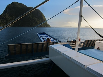 Palawan Secret Cruise Floating Hotel Beach/Ocean View