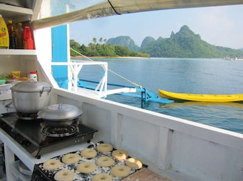 Palawan Secret Cruise Floating Hotel Dining
