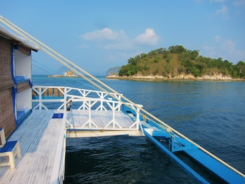 Palawan Secret Cruise Floating Hotel Exterior