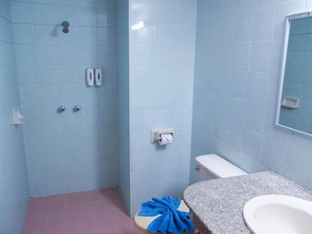 Chumphon Palace Hotel - Bathroom  - #0