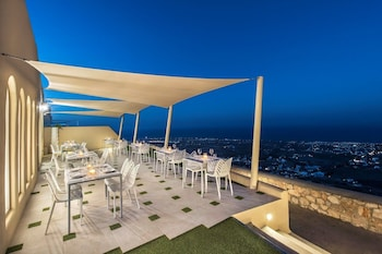 Skyfall Suites - Adults Only - Hotel Bar  - #0