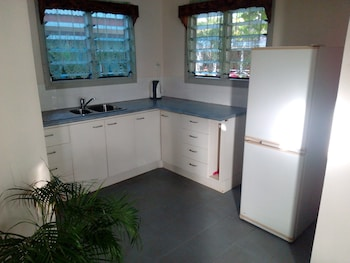 Vacations Beach Fale - In-Room Kitchen  - #0