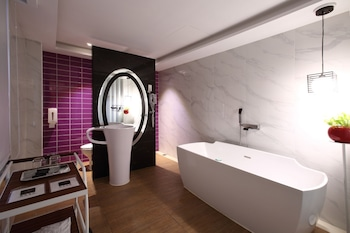 Long View Hotel - Bathroom  - #0