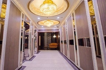 First Plaza Hotel - Hallway  - #0