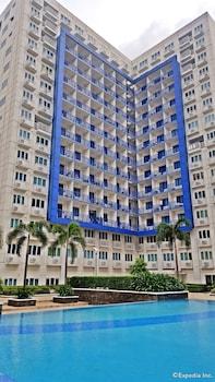 Iecasa Sea Residences Manila Exterior