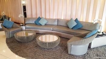 Iecasa Sea Residences Manila Lobby Sitting Area