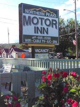 Northern Peaks Motor Inn in Gorham, New Hampshire