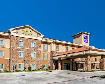Mainstay Suites in Lufkin, Texas