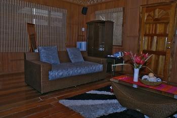Voda Krasna Beach Resort Cebu Living Area