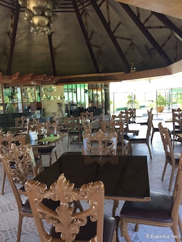 Bohol Tropics Resort Restaurant
