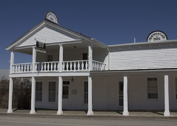 Fairweather Inn in Virginia City, Montana