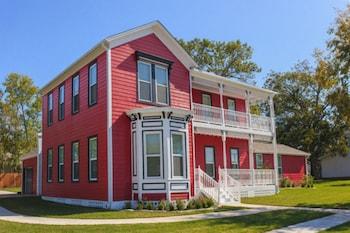 Red Velvet Inn in Navasota, Texas