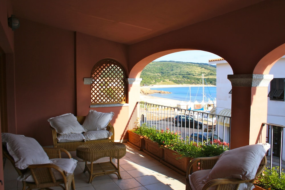 Isola Rossa Borgo Mare - Agenzia Isola Rossa