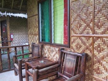Reggae Guesthouse Bohol Balcony
