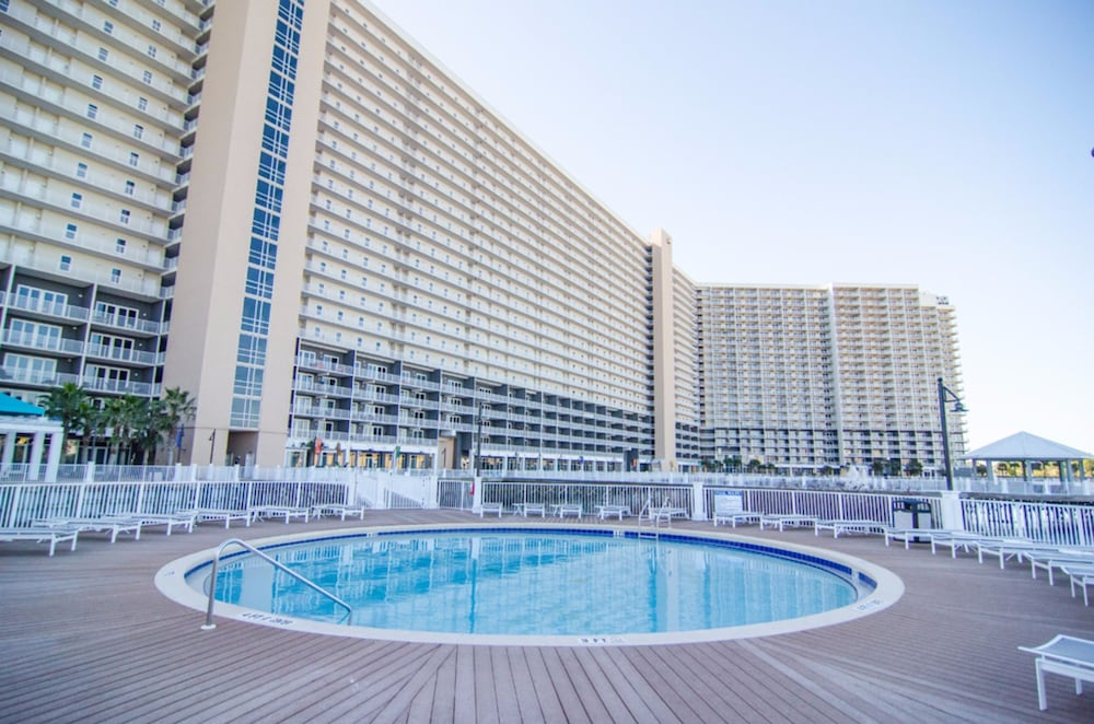 Laketown Wharf by Royal American Beach Getaways