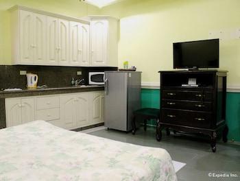 Kokomo's Suites Hotel Pampanga Guestroom