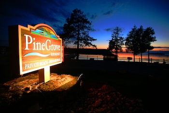 Pine Grove Resort in Ephraim, Wisconsin